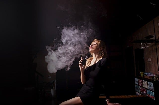 woman-vaping-to-see-what-vaping-feels-like